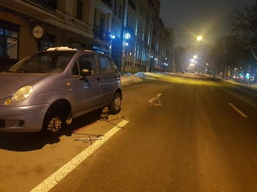 Мобильный шиномонтаж - Ремонт колеса